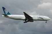 Boeing 777-219/ER (ZK-OKC)