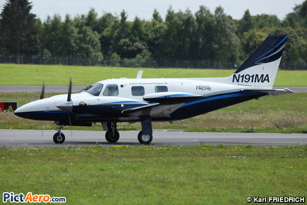 Piper PA-31T cheyenne (Private / Privé)