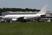 Airbus A310-304 (CS-TQV)