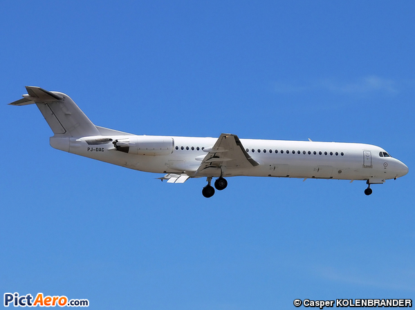 Fokker 100 (F-28-0100) (Dutch Antilles Express)