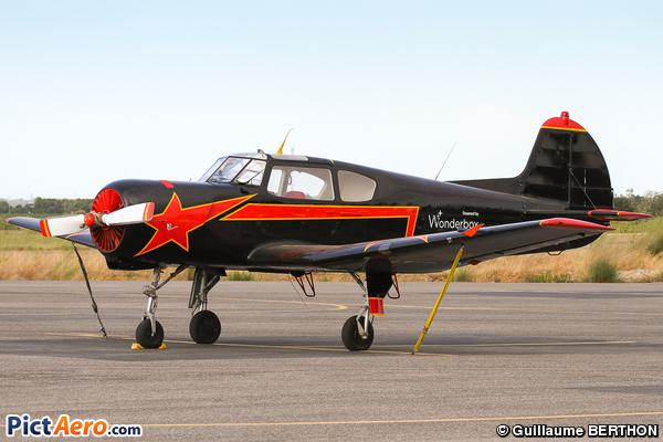 Yakovlev Yak-18T (Privé )