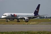 Boeing 757-2B7/SF (N901FD)