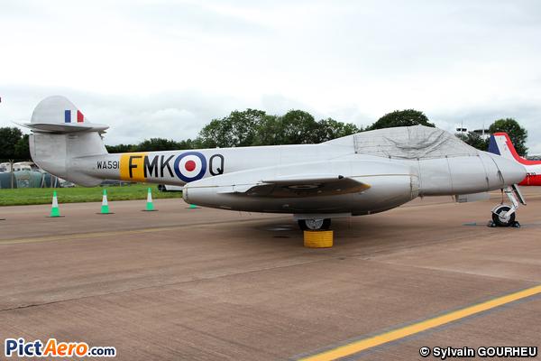 Gloster Meteor T7  (Private / Privé)