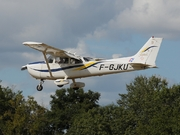 Cessna 172R Skyhawk (F-GJKU)