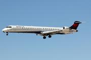 CRJ-900LR (CL-600-2D24) (N803NK)