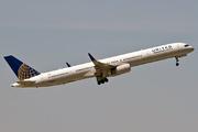 Boeing 757-324/WL (N75854)