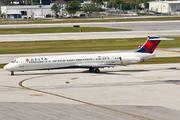 McDonnell Douglas MD-88 (DC-9-88) (N965DL)