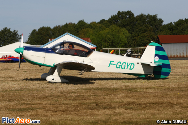 CAP 10B (aéroclub du pontreau-cholet)