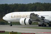 Boeing 777-21H/LR (A6-EWJ)