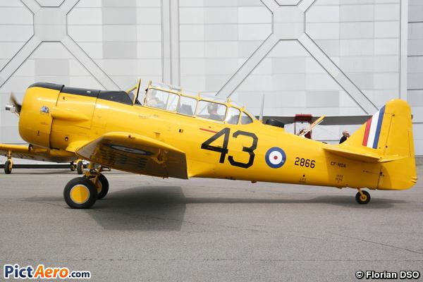 CCF AT-6 Harvard Mk.IV (Vintage Wings Of Canada/Les Ailes d' Époque Du Canada)