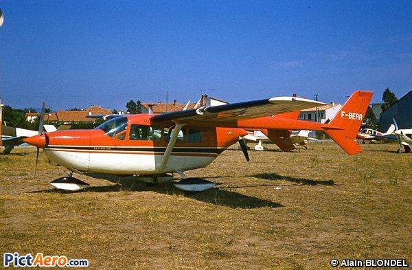 Cessna 336 Skymaster (Privé)