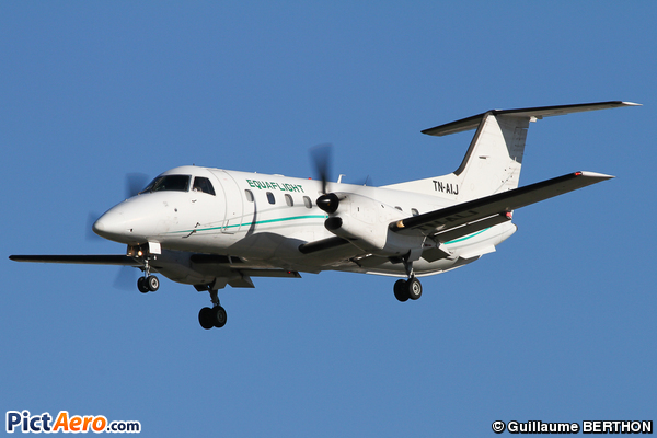 Embraer EMB-120RT Brasilia (EQUAFLIGHT)