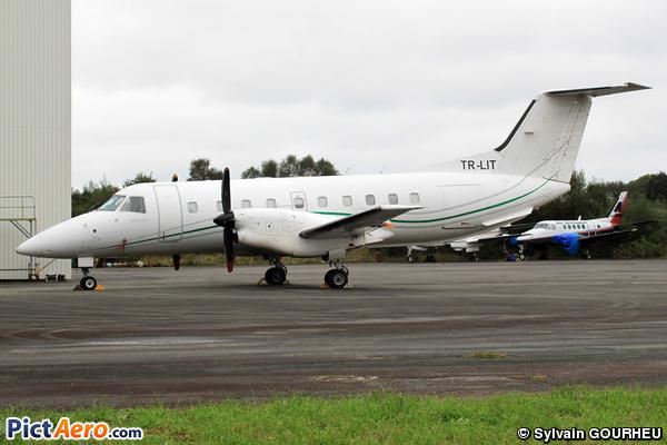 Embraer EMB-120 Brasilia (EQUAFLIGHT)