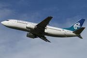 Boeing 737-3U3 (ZK-SJC)