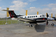 Beech Super King Air 200GT (N883KA)