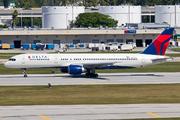 Boeing 757-232 (N676DL)