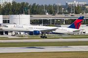 Boeing 757-251 (N522US)