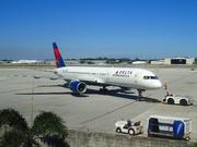 Boeing 757-232 (N673DL)