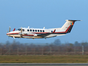 Beech Super King Air 350 (YR-CAA)