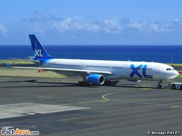 Airbus a330 303 f hxlf xl airways france par mickael for Airbus a330 xl airways interieur