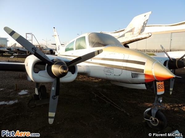 Cessna 310Q (Ailes Anciennes Toulouse)