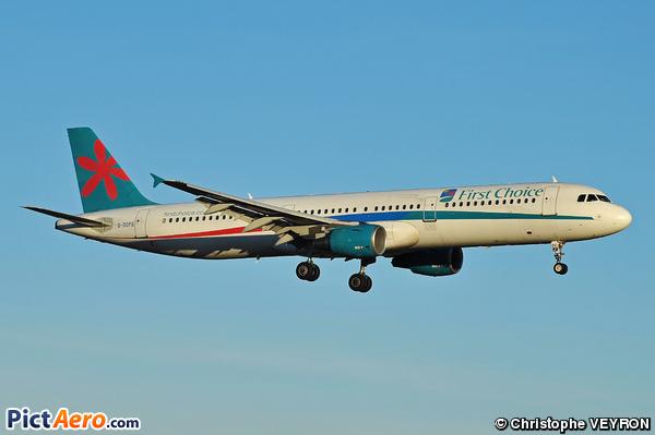 Airbus A321-211 (First Choice Airways)