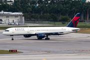 Boeing 757-251 (N539US)