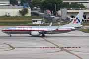 Boeing 737-823(WL) (N877NN)