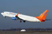 Boeing 737-8BK(WL) (C-FYLC)