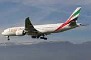 Boeing 777-21H/LR (A6-EWD)