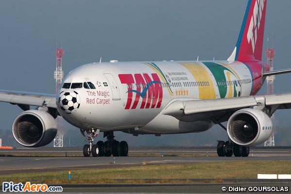 Airbus A330-223 (TAM Linhas Aéreas)