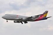 Boeing 747-48EM (HL7421)