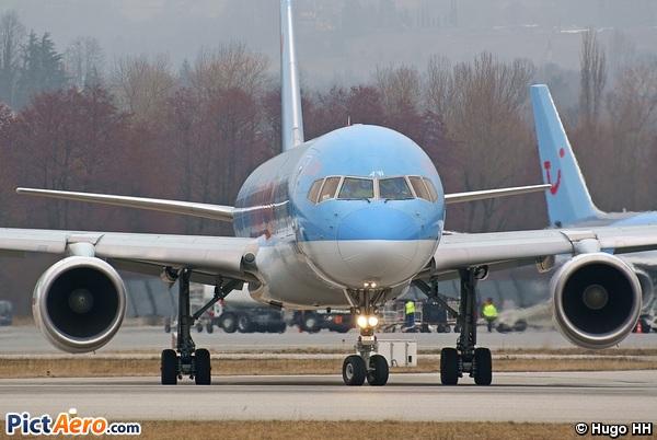 Boeing 757-204 (Thomson Airways)