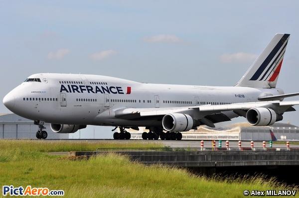 Boeing 747-4B3M (Air France)