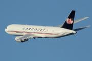 Boeing 767-223(SF) (C-FMCJ)