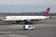 Boeing 757-231/WL (N723TW)