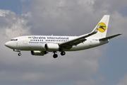 Boeing 737-548 (UR-GBE)