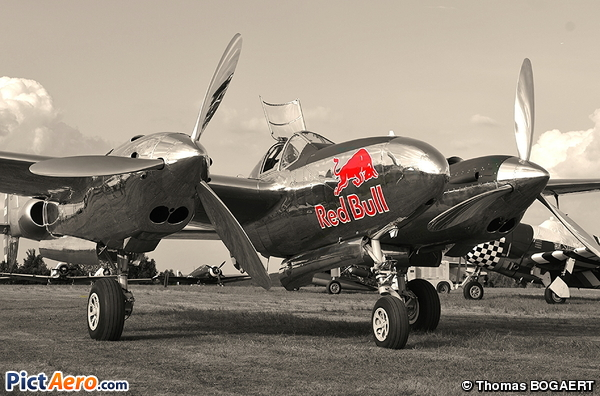 Lockheed P-38L Lightning (Red Bull)