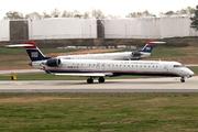 Bombardier CRJ-900ER (N932LR)