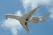 Bombardier BD-700-1A10 Global 6000 (N729KF)