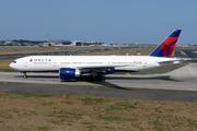 Boeing 777-232/LR (N702DN)