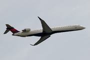 CRJ-900LR (CL-600-2D24) (N195PQ)