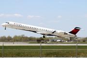 CRJ-900LR (CL-600-2D24) (N133EV)