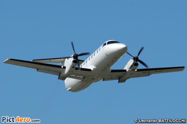 Embraer EMB-120 Brasilia (Budapest Aircraft Services / Man x2)