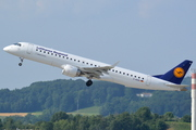 Embraer 195LR (D-AEBO)