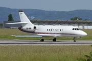 Dassault Falcon 2000 (CS-DNR)