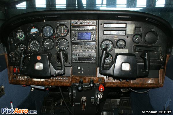 Cessna U206G  (Privé)