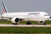 Boeing 777-328/ER