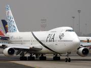 Boeing 747-240BM (AP-BAK)