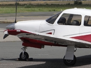 Piper PA28R-201 Arrow III (G-CEOF)